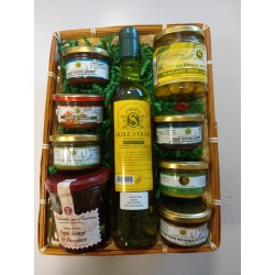 BASKET PRESENT WITH 9 PRODUCTS